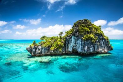 fulaga-island-fiji-blue-ocean-rock-formation-canon-eos-5d-mark-iii-24-70mm-ming-nomchong-e1427779924821